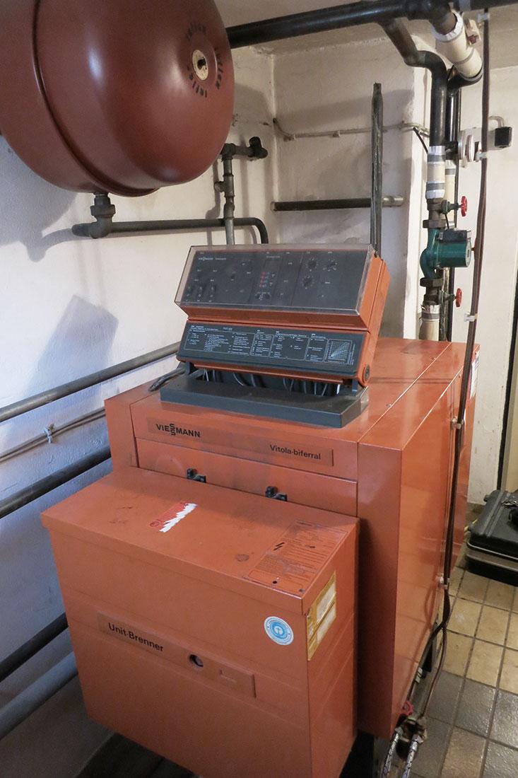 Alter Ölkessel ersetzt durch Vitoladens 300-C