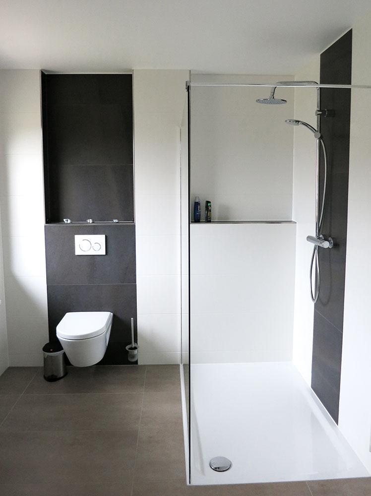 Bodenebene Dusche und spülrandloses WC