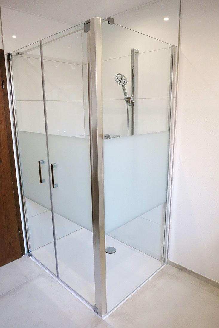 Dusch-Anlage mit bodengleicher Duschwanne